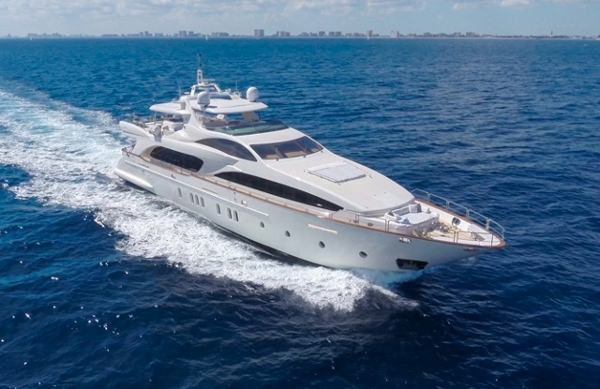 happyhour116 charter yacht