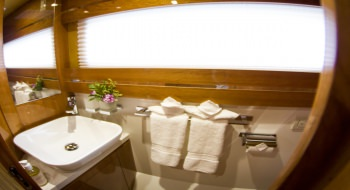 1 of 3 guest baths