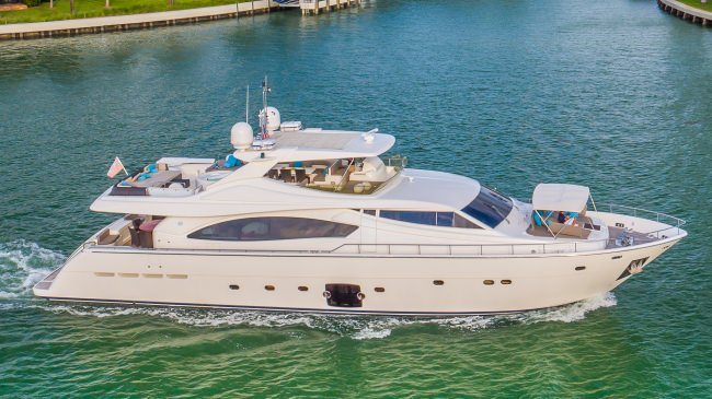 cinquemare88 charter yacht