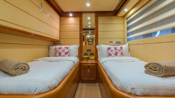 Double Twin Guest Cabin