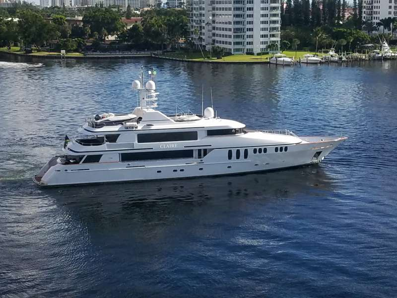 claire150 charter yacht