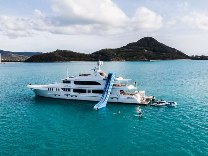 justenough139 charter yacht