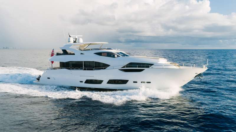 perseverance395 charter yacht