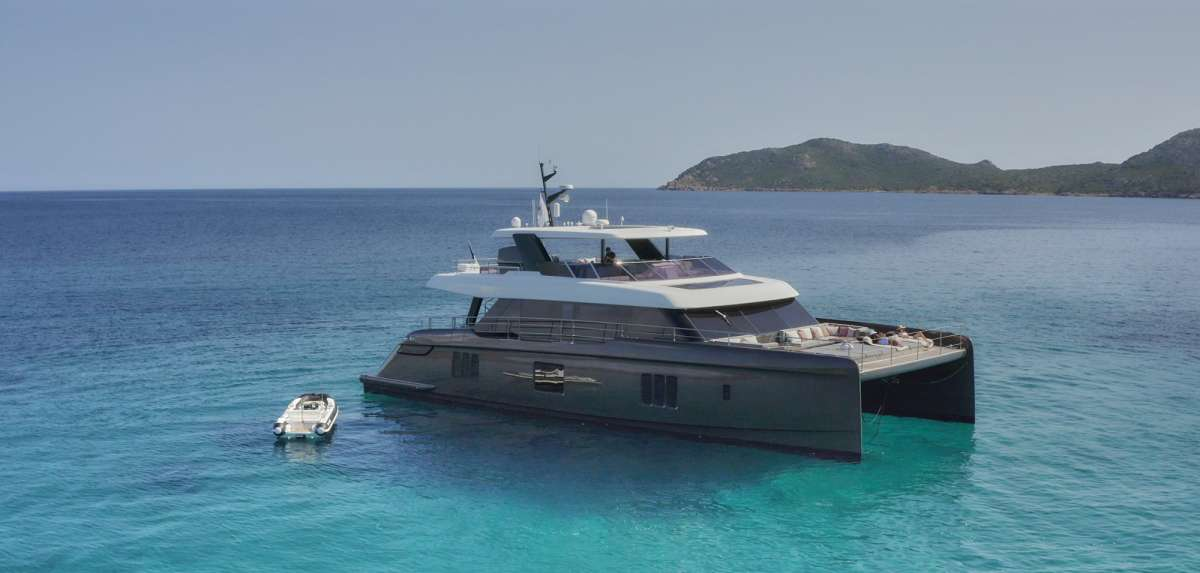 otoctone78 charter yacht