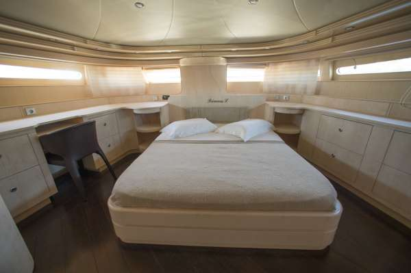 VIP cabin main deck
