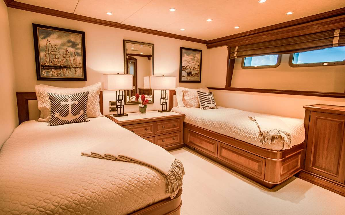 Twin/ Convertible King Stateroom